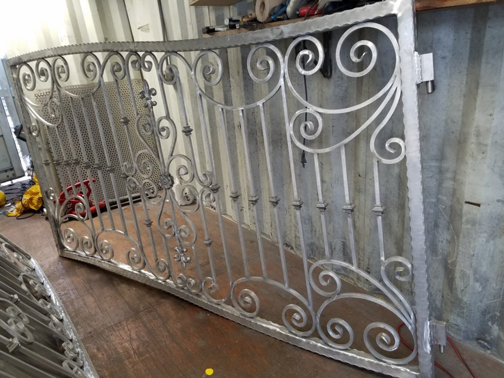 Finishing of Custom Aluminum Gate